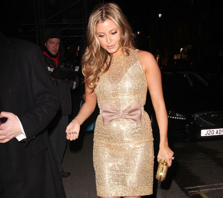 Holly Valance wears her engagement ring, we're not jealous ...