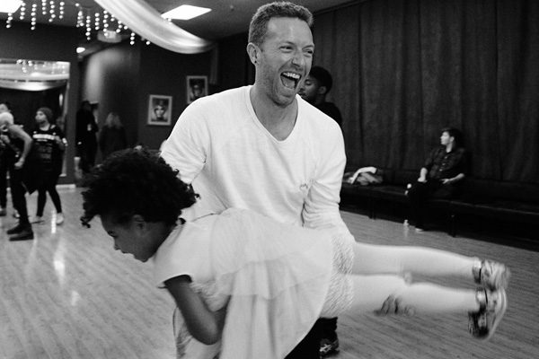 The Coldplay frontman couldn't stop smiling as he played with Beyonce's daughter