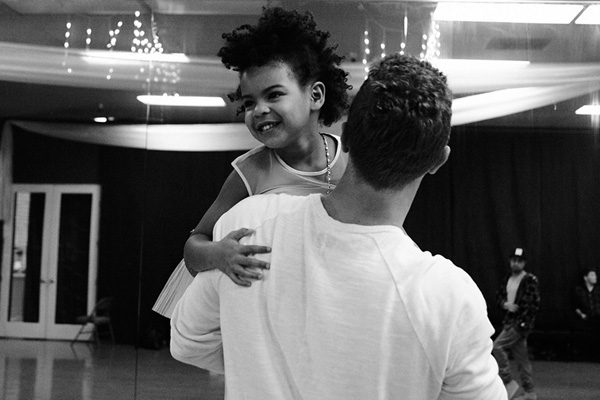 Beyoncé released adorable behind the scenes photos featuring Chris Martin and Blue Ivy