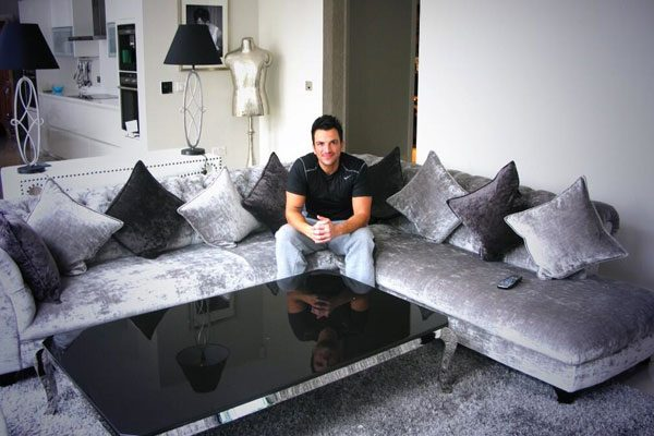 Peter Andre showed off the pair's new sofa before he left the house