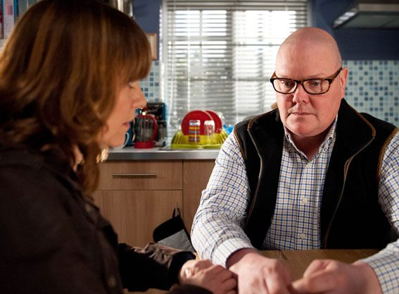 Paddy will grow suspicious over Tess' death and threatens to call the police about Kirin