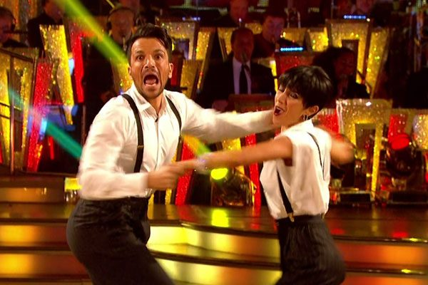 peter andre suffers embarrassing wardrobe malfunction on strictly come