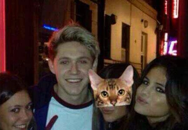 The photo that sparked the rumours: Niall Horan and Selena Gomez spotted out and about in London