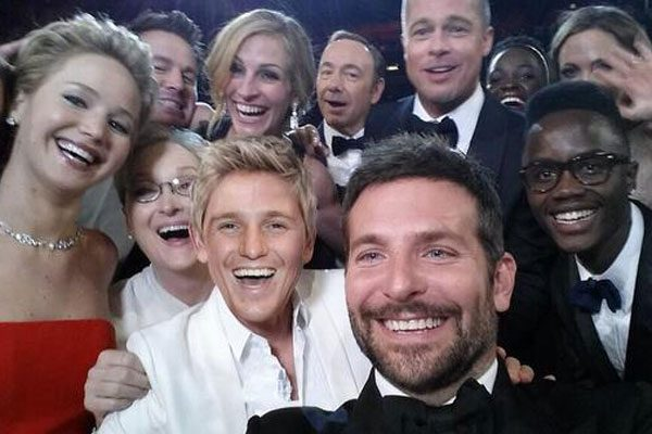 The Made In Chelsea star recreated THAT incredible Oscars selfie