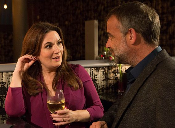The Weatherfield residents will give into their feelings and bring in the new year with a kiss