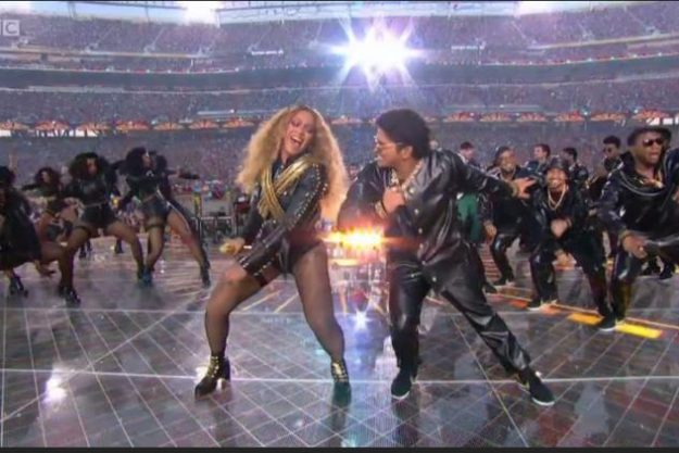 Beyonce and Bruno Mars performed a mash-up of Uptown Funk and Formation