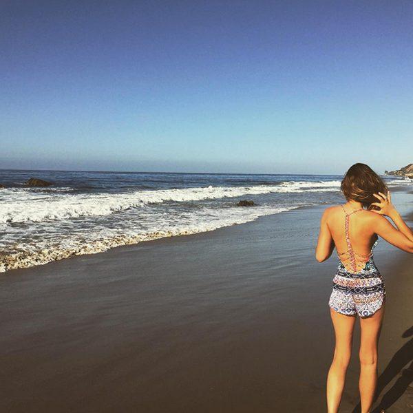 Eleanor Calder shows off her super cute beach style in Malibu