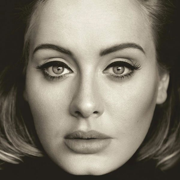 Adele's winged eyeliner is EVERYTHING