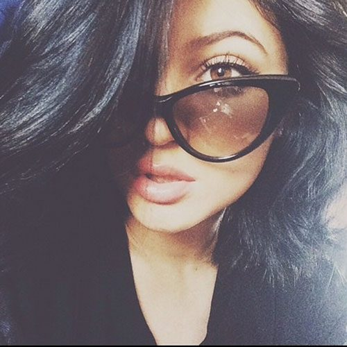 Kylie Jenner and her make up look stunning in this selfie