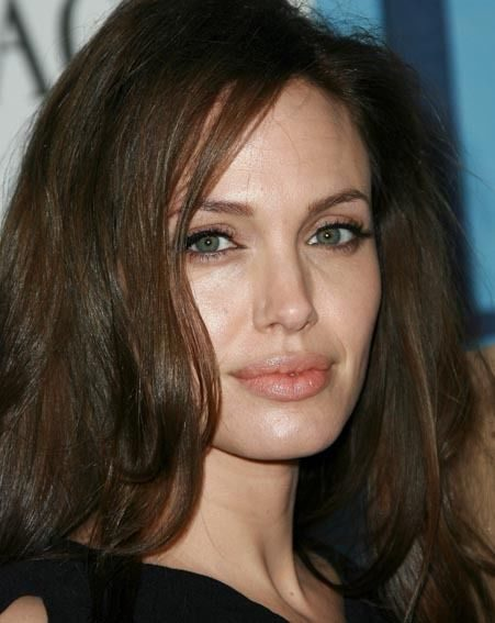 Angelina was glowing on the red carpet