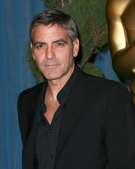 George Clooney will now be attending following the end of the strike