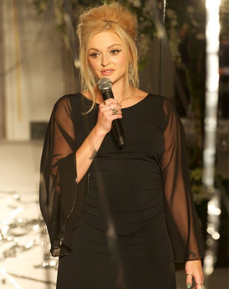 Fearne Cotton looked gorgeous in her dark gothic outfit