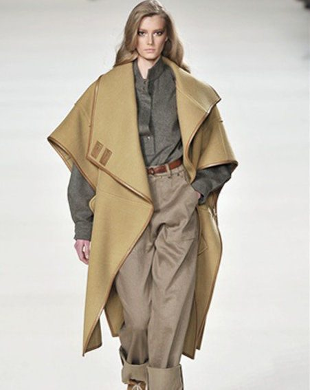 Top fashion trends Autumn/Winter 2010/11: Camel capes are THE coat for this season