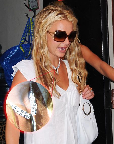 Britney shows her love with a necklace