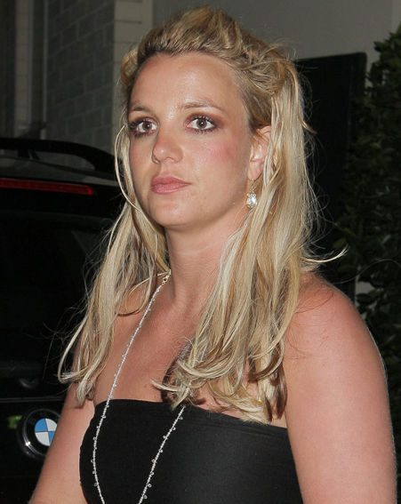 Britney's ex-manager will fight his restraining order