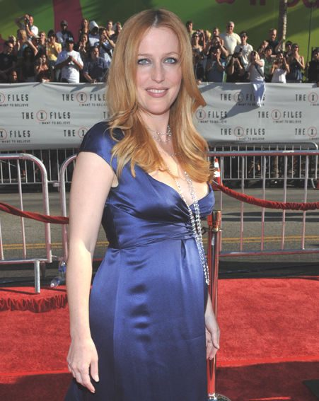 Gillian shows off her growing bump