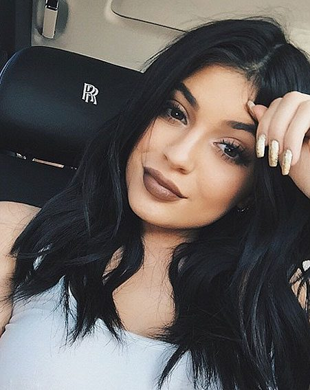 Anothe Kylie Lip Kit Dupe That S Going To Make Your Lips: Kylie Jenner Causes Fake Tan Controversy In Another Racy