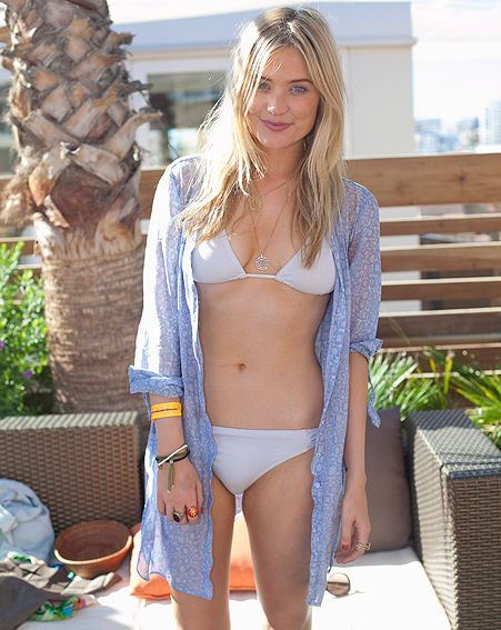 Laura Whitmore boasts toned tum in Ibiza bikini pictures ...