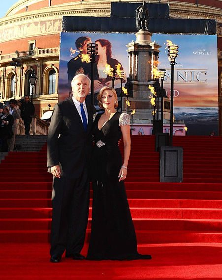 Kate was joined by the film's director James Cameron on the red-carpet