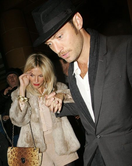 Jude Law and Sienna Miller stepped out in London last night/Wenn.com