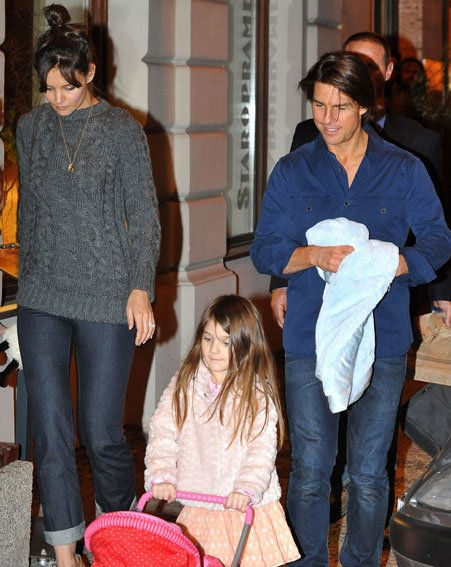 Katie Holmes, Tom Cruise and Suri hit Prague together