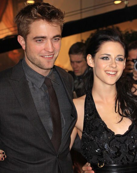 Robert Pattinson's girlfriend Kristen Stewart bought him a £50k piano, how awesome is that?!