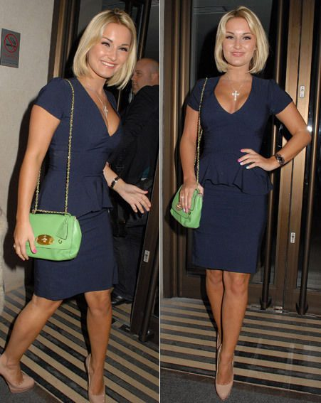 Sam Faiers at the screening of We Bought A Zoo in navy