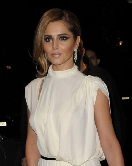 Cheryl Cole tweeted this afternoon, seemingly not loving the girl in the mirror