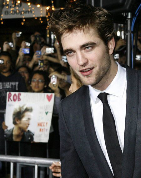 Robert Pattinson at The Twilight Saga: New Moon film premiere