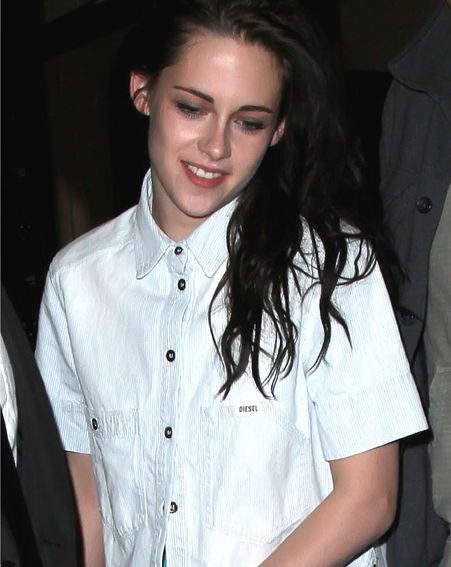 Kristen can obviously get her man to come clothes shopping with her then