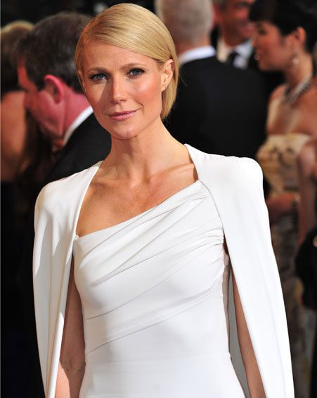 Gwyneth Paltrow says tries to keep a healthy diet, but she doesn't deny herself junk food
