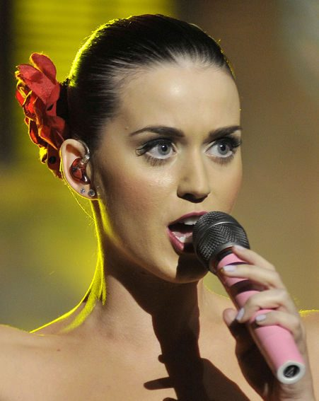 The Smile singer is hurt by comments Katy allegedy made about her weight