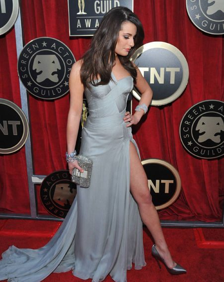 Lea Michele showed off her toned pins in her glamorous Versace gown