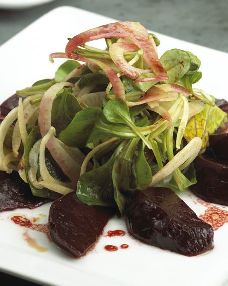 ROASTED BEETROOT AND MACHE SALAD