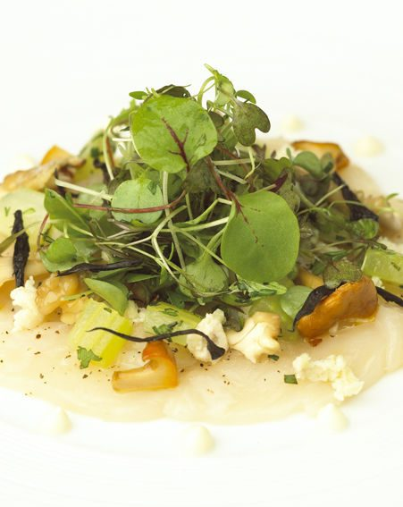 CARPACCIO OF SCALLOPS with SALAD OF PEAR, WALNUTS AND GIROLLE MUSHROOMS