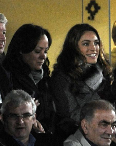 The actress wrapped up to watch beau Danny Cipriani play