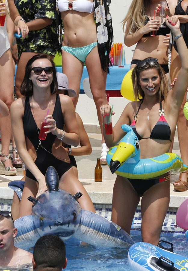 Bikini-clad TOWIE girls show off poolside style, but who ...