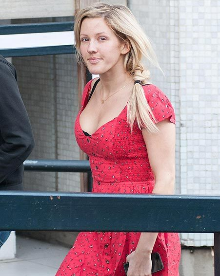 The Starry Eyed singer also confessed she was pretending it was summer in her red dress