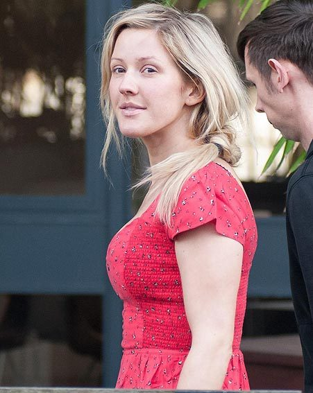 Ellie Goulding proved she's a natural beauty as she went without make-up this week