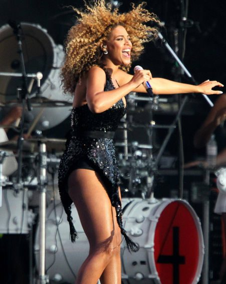 Beyoncé shows off her incredible moves at T in the Park