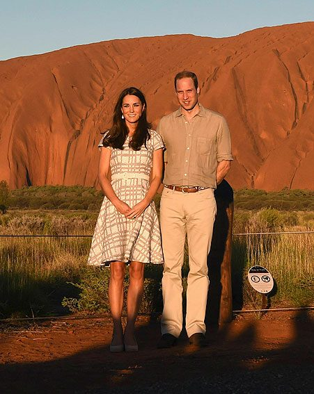 Kate Middleton and Prince William posed in front of Ayers Rock at the end of day 15