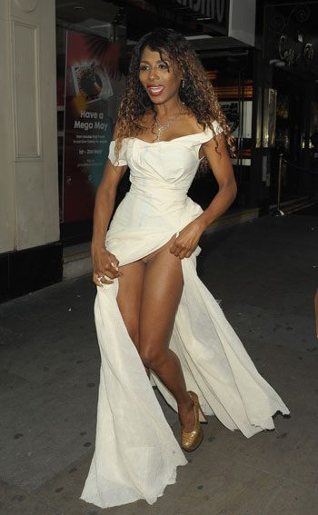 Sinitta suffered a wardrobe malfunction when she lifted up her dress