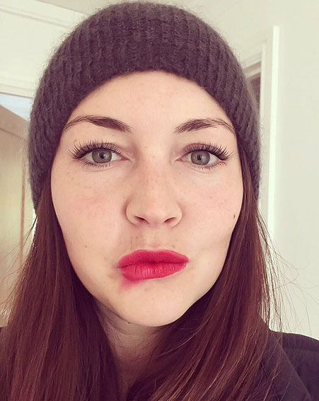 Lacey Turner also smudged her red lippy for the good cause