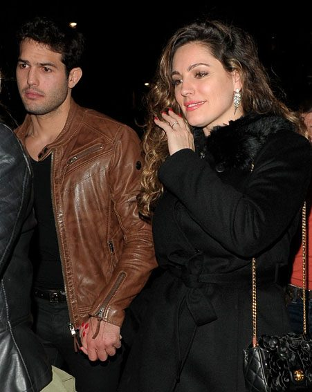 Kelly Brook sparks engagement rumours by flashing the diamond on her ring finger