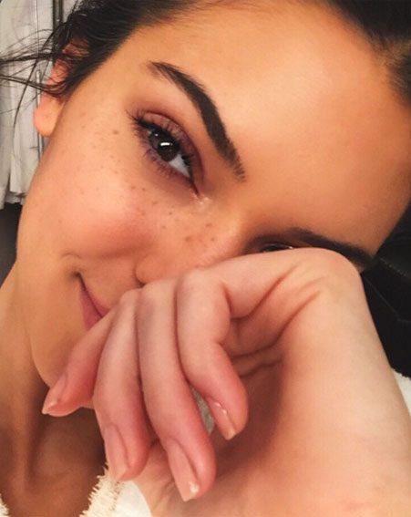 We might have just unveiled Kendall Jenner's go to beauty hack