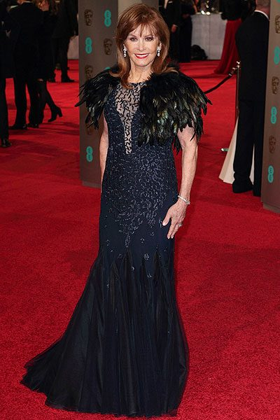 Stephanie Powers had feathers in all the wrong places on the red carpet