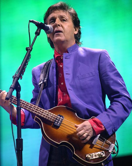 Paul McCartney wil pay tribute to the late David Bowie