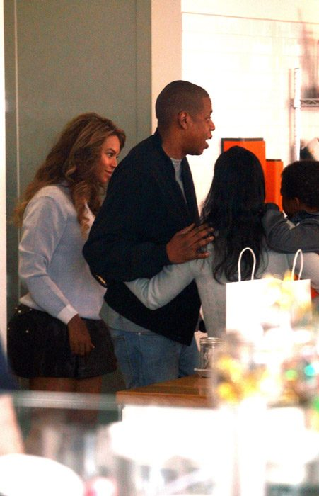 Beyonce's fans wondered if her baggy grey jumper was hiding a baby bump