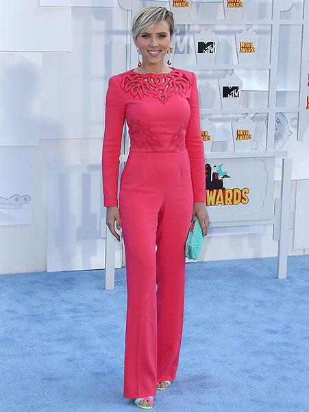 Scarlett Johansson shows off dramatic weight loss at MTV ...