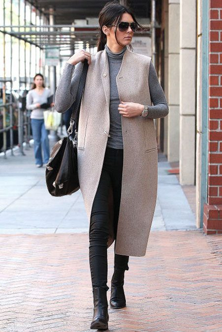 Kendall Jenner is a fan of Chelsea boots